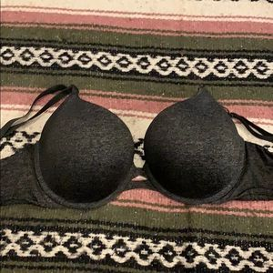 Victoria's Secret grey bra. (32DDD)